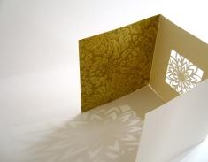 Square tri-fold cream: flower
